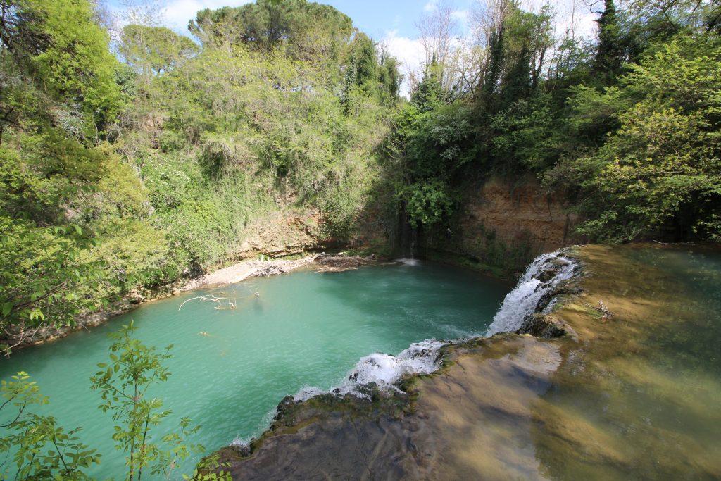 Il Dibborato waterfalls, Nature Park Area naturale protetta di interesse locale Parco Fluviale dell'Alta Val d'Elsa, on the River Elsa, Colle di Val d'Elsa, Province of Siena, Tuscany, Italy